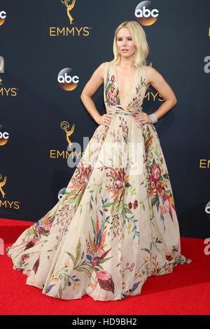 2016 Primetime Emmy Awards - Anreise am Microsoft-Theater am 18. September 2016 in Los Angeles, CA mit: Kristen - Stockfoto