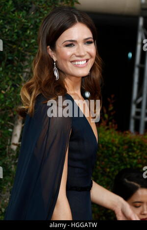 Beverly Hills, uns. 8. Januar 2017. Mandy Moore kommt bei der 74. Annual Golden Globe Awards, Golden Globes in Beverly - Stockfoto