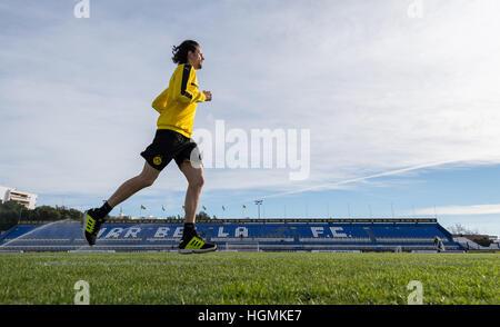 Marbella, Spanien. 11. Januar 2017. Dortmunds Neven Subotic läuft bei Borussia Dortmund Trainingslager in Marbella, - Stockfoto