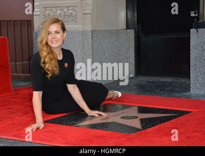 Los Angeles, USA. 11. Januar 2017. Amy Adams am Hollywood Walk of Fame Star Zeremonie zu Ehren Schauspielerin Amy - Stockfoto