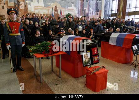 Moscow Region, Russland. 16. Januar 2017. Eine Abschiedszeremonie für Tupolew Tu-154 Flugzeug-Crash-Opfer auf dem - Stockfoto