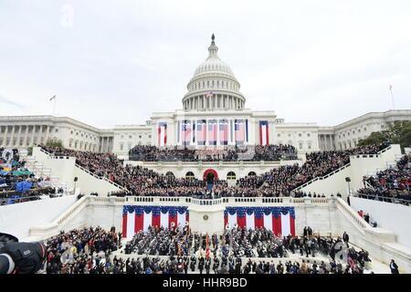 Washington DC, USA. 20. Januar 2017. Präsident Donald Trump nimmt der Eid des Amtes bei seiner Amtseinführung am - Stockfoto
