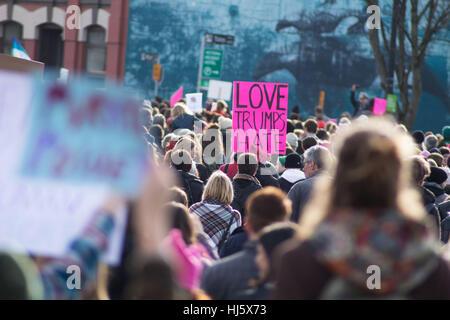 Frauen März in Victoria BC am ersten Tag des Trump Präsidentschaft - Stockfoto