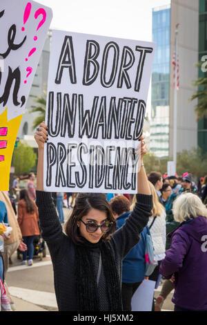 Frauen Marsch in die Innenstadt von Los Angeles, Kalifornien auf 21. Januar 2017. - Stockfoto
