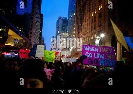 Demonstrant auf die NYC Frauen Marsch - Stockfoto