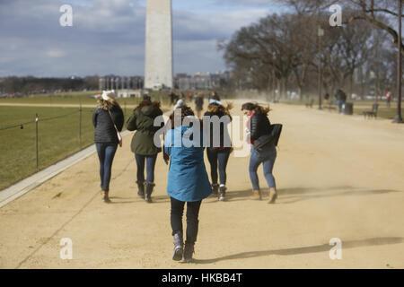 27. Januar 2017 - Washington, DC, USA - WASHINGTON, DC - 27.Januar: Pro-Life-Aktivisten gehen in Richtung Washington - Stockfoto