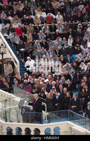 Präsident Donald Trump liefert seiner ersten Ansprache nach der Amtseid der 45. Präsident der Vereinigten Staaten - Stockfoto