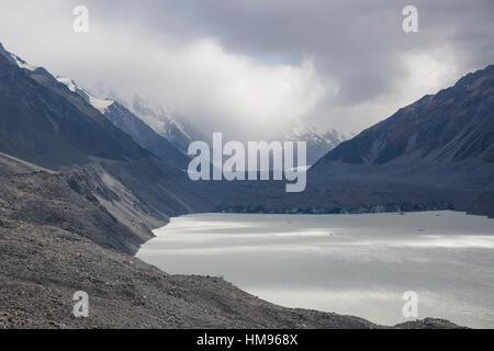 Blick über Tasman See zum Bezirk Tasman-Gletscher, Nationalpark Aoraki (Mount Cook), Mackenzie, Canterbury, Neuseeland - Stockfoto