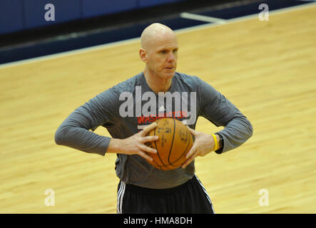 Washington, Vereinigte Staaten von Amerika. 31. Januar 2017. Washington Wizards Spieler Entwicklung Co-Trainer David - Stockfoto
