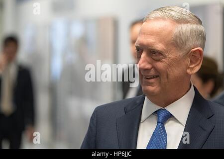 US-Verteidigungsminister James Mattis besucht seine Vereidigung im Pentagon 27. Januar 2017 in Washington, DC. - Stockfoto