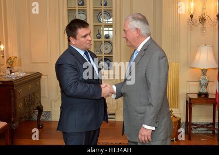 Washington, Vereinigte Staaten von Amerika. 7. März 2017. US Secretary Of State Rex Tillerson empfängt ukrainischen - Stockfoto