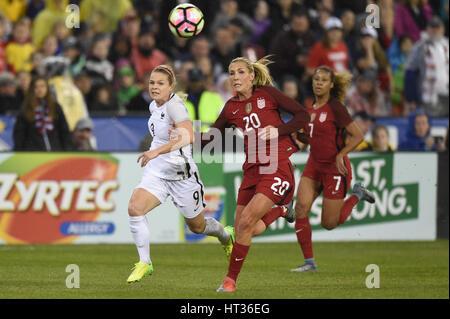 Washington DC, USA. 7. März 2017. Frankreichs Eugenie Le Sommer (9) Schlachten während des Spiels zwischen der Frauen - Stockfoto