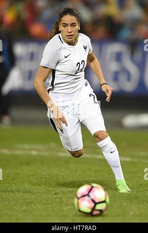 Washington DC, USA. 7. März 2017. Frankreichs Amel Majri (22) läuft mit dem Ball während des Spiels zwischen der - Stockfoto