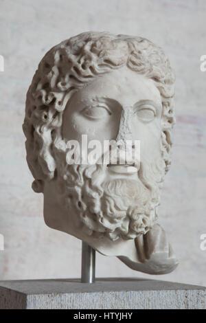 griechische kunst den kopf von einer statue des asklepios. Black Bedroom Furniture Sets. Home Design Ideas