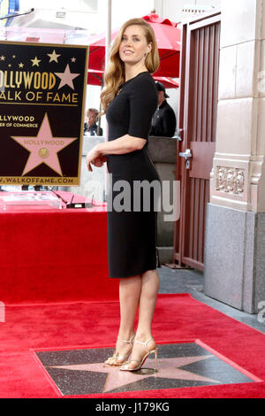 Los Angeles, CA, USA. 11. Januar 2017. LOS ANGELES - JAN 11: Amy Adams bei der Amy Adams Sterne Zeremonie am Hollywood - Stockfoto