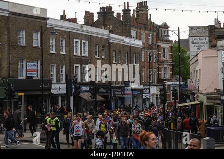 Blackheath London, UK. 23. April 2017. Virgin London Marathon 2017. Bildnachweis: Claire Doherty/Alamy Live News - Stockfoto