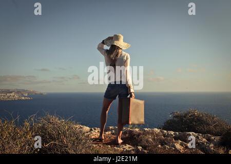 Frau im Urlaub draußen - Stockfoto