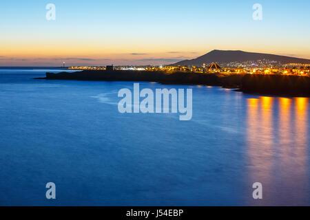 Sonnenuntergang über Playa Blanca auf Lanzarote - Stockfoto