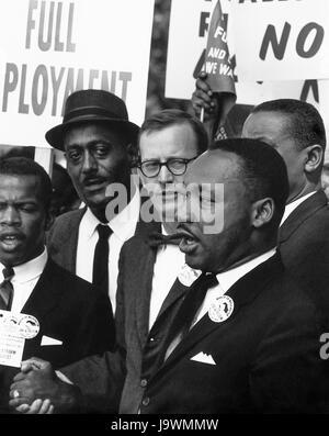 Dr. Martin Luther King, Jr., Präsident der Southern Christian Leadership Conference und Mathew Ahmann, Geschäftsführer - Stockfoto