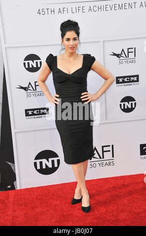 Los Angeles, CA, USA. 8. Juni 2017. Sarah Silverman im Ankunftsbereich für 2017 AFI Life Achievement Award Gala - Stockfoto