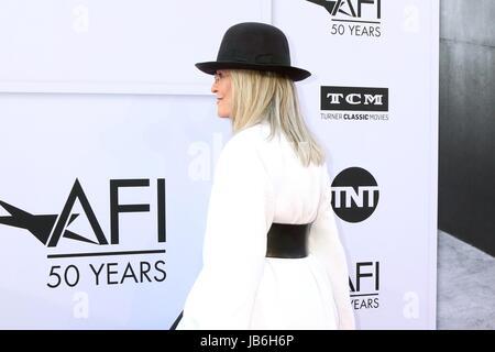 Los Angeles, CA, USA. 8. Juni 2017. Diane Keaton im Ankunftsbereich für 2017 AFI Life Achievement Award Gala zu - Stockfoto
