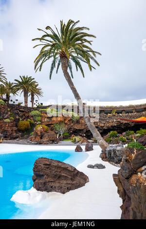 Jameos del Agua Pool im Vulkanhöhle, Lanzarote, Kanarische Inseln, Spanien - Stockfoto