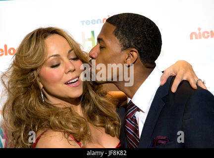 Mariah Carey und ihr Ehemann Nick Cannon, abgebildet auf dem TeenNick HALO Awards Screening in Washington, DC. am - Stockfoto