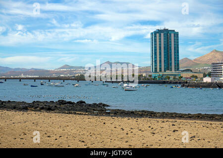 Grand Hotel am Strand, mit 17 Speicher, das höchste Gebäude in Arrecife, Lanzarote, Kanarische Inseln, Spanien, - Stockfoto