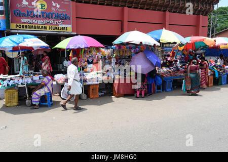 Szene und Markt Straßenständen in Thiruvananthapuram (Trivandrum) Kerala Indien - Stockfoto