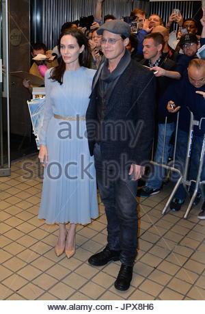 Angelina Jolie und Brad Pitt. Angelina Jolie und Brad Pitt kommen zum City-Kino - Stockfoto