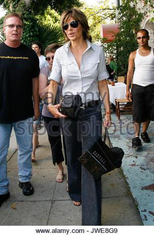 Lisa Rinna verlassen die Ivy Restaurant in Beverly Hills. - Stockfoto