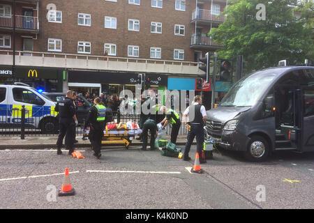 London, Großbritannien. 06 Sep, 2017. Unfall auf Swiss Cottage, Finchley Road in der Nähe der Fußgängerampel gegenüber - Stockfoto