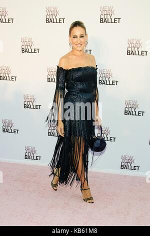 New York, NY, USA. 28 Sep, 2017. Sarah Jessica Parker in der Ankunftshalle für New York City Ballet 2017 Fall Fashion - Stockfoto