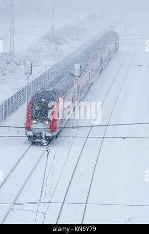 Deutsche Bahn bei Schneewetter, Mülheim an der Ruhr, Deutschland - Stockfoto
