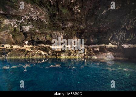 Wahrzeichen Los Jameos del Agua Höhle und Lagune in Lanzarote, Kanarische Inseln, Spanien. - Stockfoto