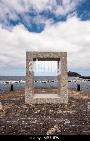 Hafen von Garachico, im Norden von Teneriffa, Kanarische Inseln, Spanien. - Stockfoto