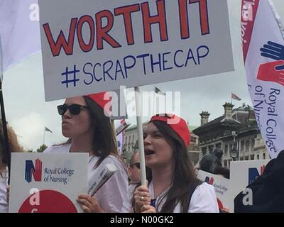 302, London, UK. 06 Sep, 2017. Tausende von Krankenschwestern, Pflegepersonal und Mitglieder der Öffentlichkeit - Stockfoto