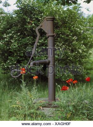 Alte Garten Brunnen Garten Kredit Brunnen Wasser Pumpe Brunnen Welle  Grundwasser Wasserversorgung Wasser