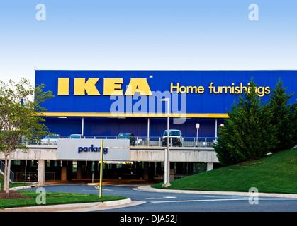 Tienda de muebles para el hogar Ikea en el centro de Coventry, Reino ...