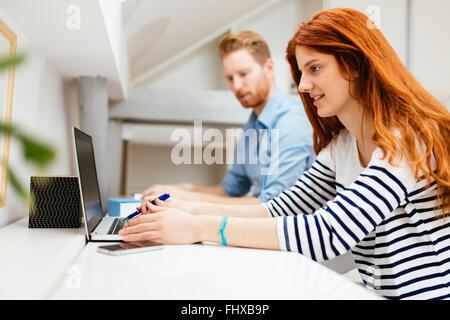 La empresaria trabaja desde casa foto imagen de stock 14549062 alamy - Trabaja en casa ...