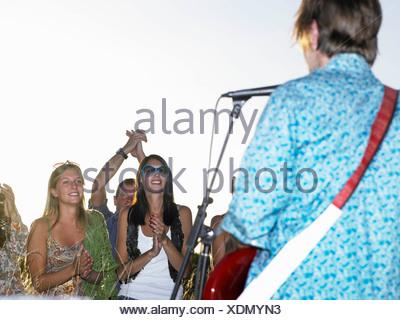 Les concerts dans un champ Banque D'Images