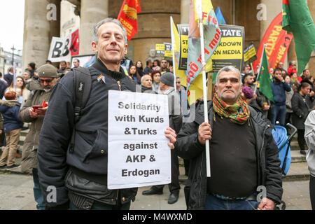 Londres, Reino Unido. 18 de Fev, 2018. A comunidade curda e seus apoiantes realizar uma manifestação em solidariedade Foto de Stock